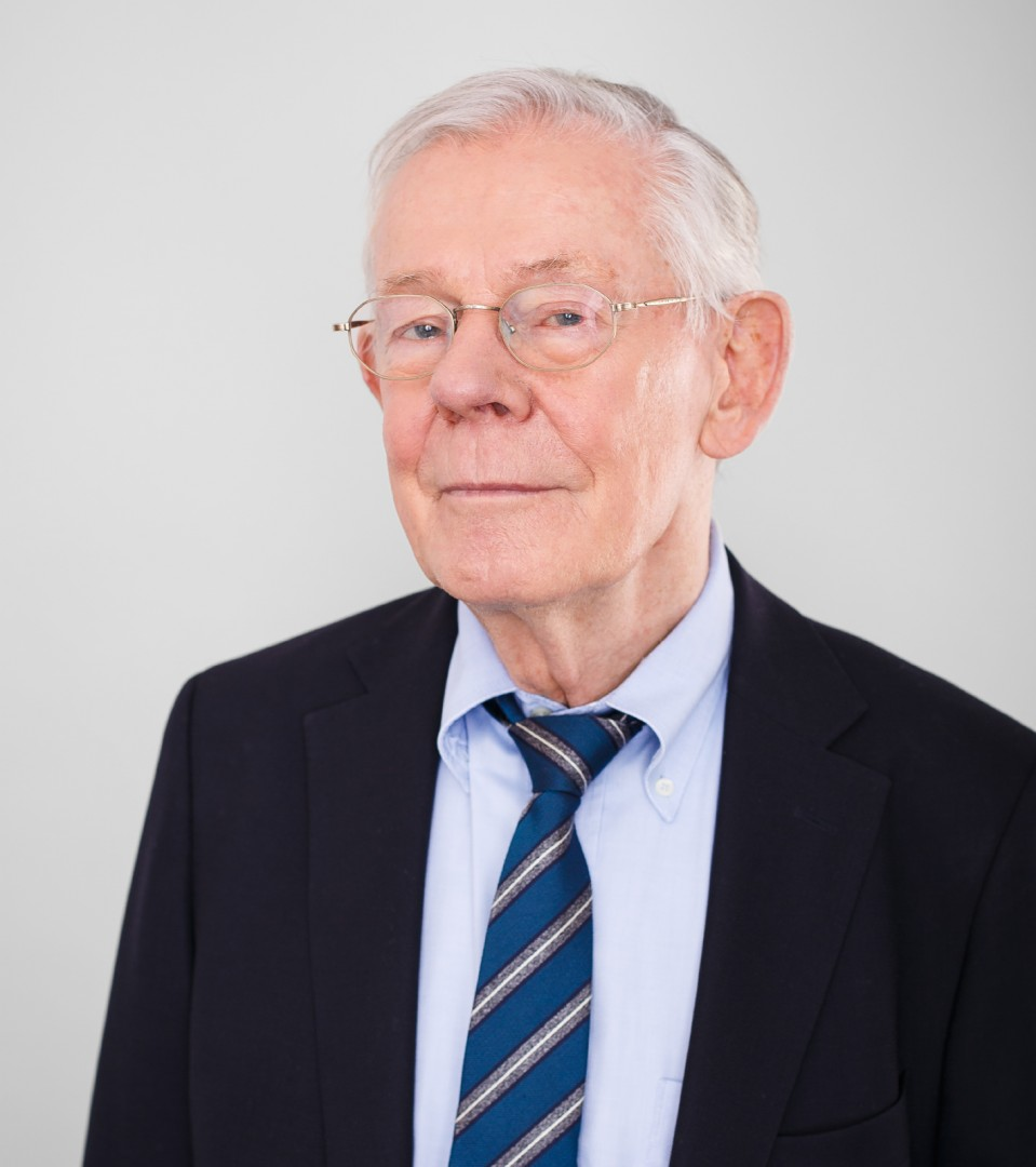 Dr. Lutz Ziesche